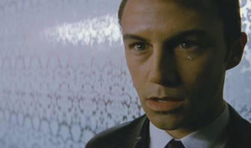 http://www.passion-cinema.com/img/news/news-2012/looper-joseph-gordon-levitt-bruce-willis-emily-blunt-jeff-daniels-2378.jpg
